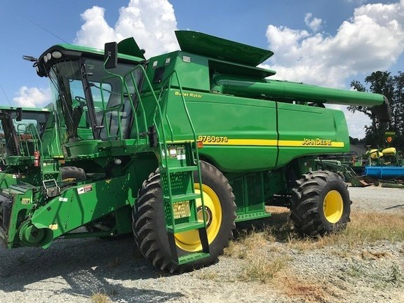 2007 John Deere 9760 STS Combine For Sale