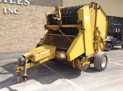 Baler-Round For Sale:   Vermeer 605F