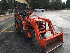 Tractor For Sale:  2002 Kubota B7500HST