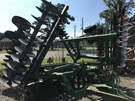 Disk Harrow For Sale:  2004 John Deere 637