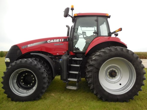 Tractor For Sale:  2014 Case IH 235 MAG