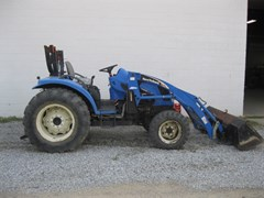 Tractor For Sale 2005 New Holland TC45DA , 45 HP