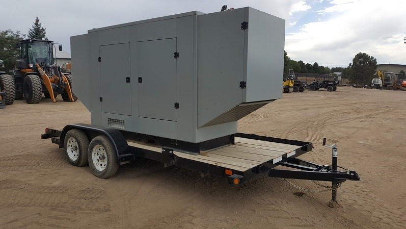 2014 SRC Power Systems NG150, 150KW, Trailer $2600 Generador a la venta