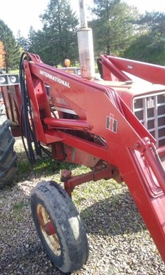 Tractor For Sale International 674D , 61 HP