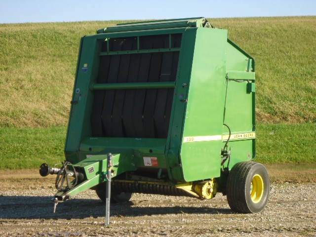 John Deere 530 Baler-Round For Sale