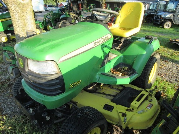 2007 John Deere X720 Riding Mower For Sale