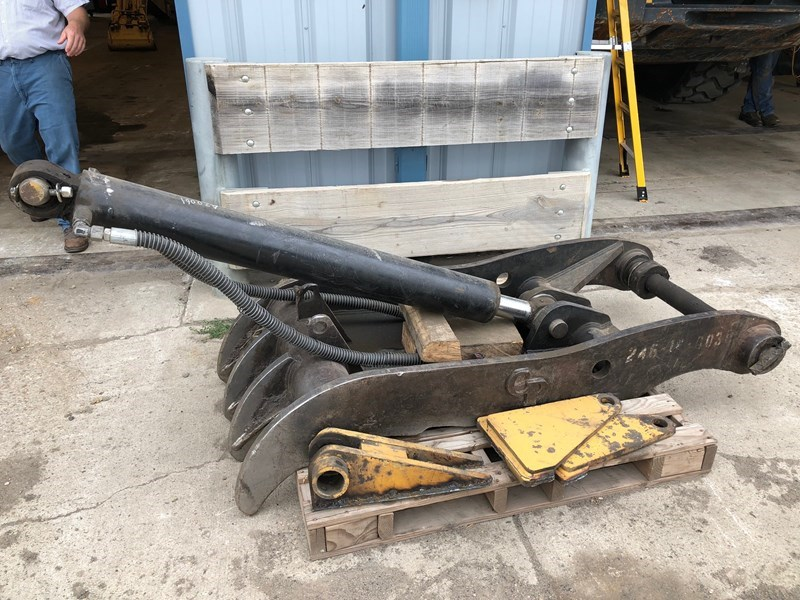 0 CP PC240T Excavator Thumb For Sale