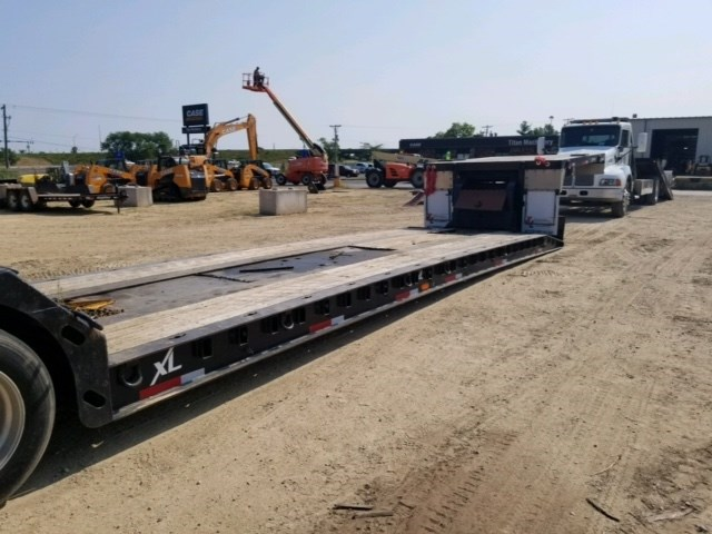 2010 XL Specialized XL 80-BDH, Hyd Detach, Winch, Air Ride, Steel Rims Dropdeck/Lowboy Semi Trailer a la venta