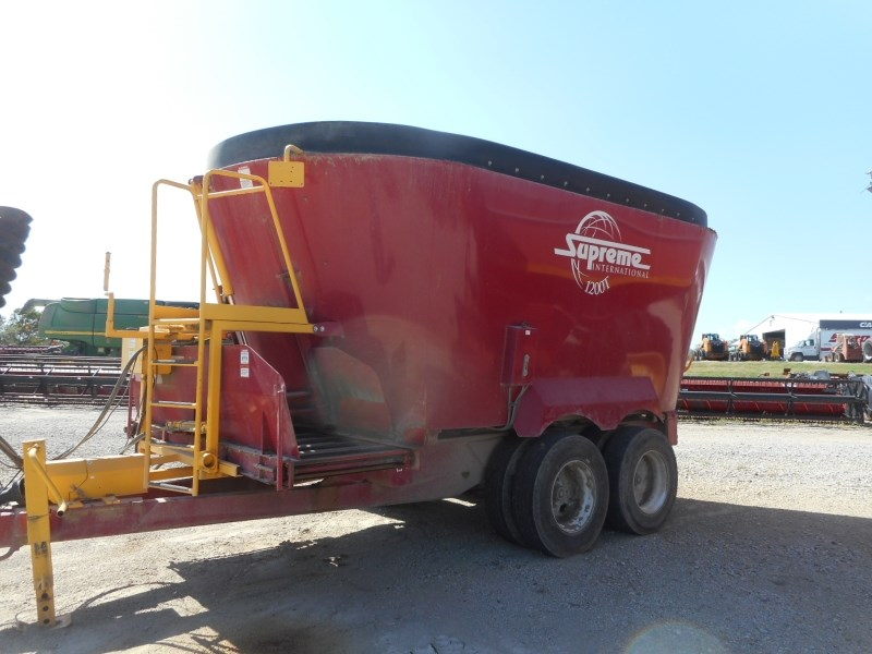 2015 Supreme 1200T Feeder Wagon-Portable For Sale