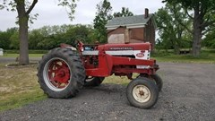 Tractor For Sale International 560