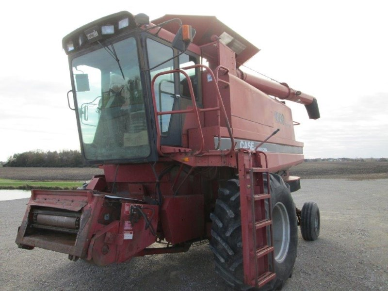 1986 Case IH 1680 Combine For Sale