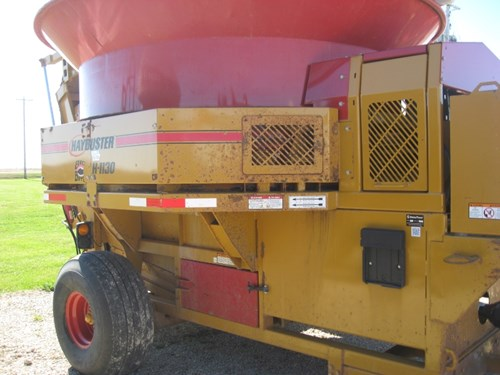 Tub Grinder - Feed/Hay For Sale:  2011 Haybuster 1130