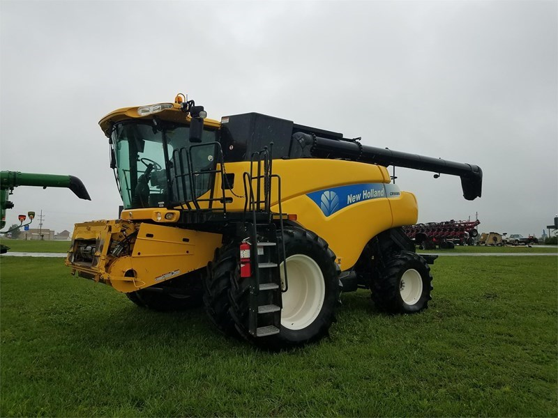 2011 New Holland CR9080 Combine For Sale