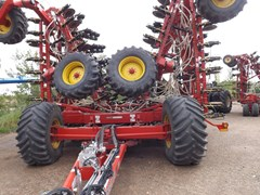 Air Drill For Sale 2014 Bourgault 3320 & 7950