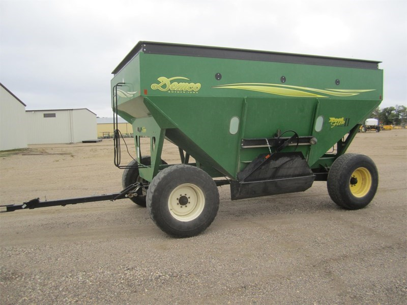 2005 Demco 550 Gravity Box For Sale