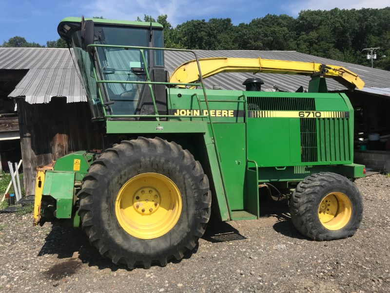 John Deere 6710 Forage Harvester-Self Propelled For Sale