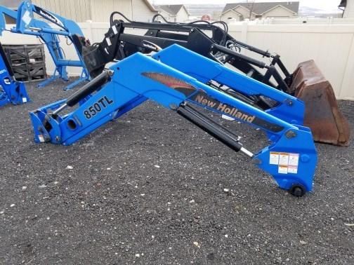 New Holland 850TL Wheel Loader