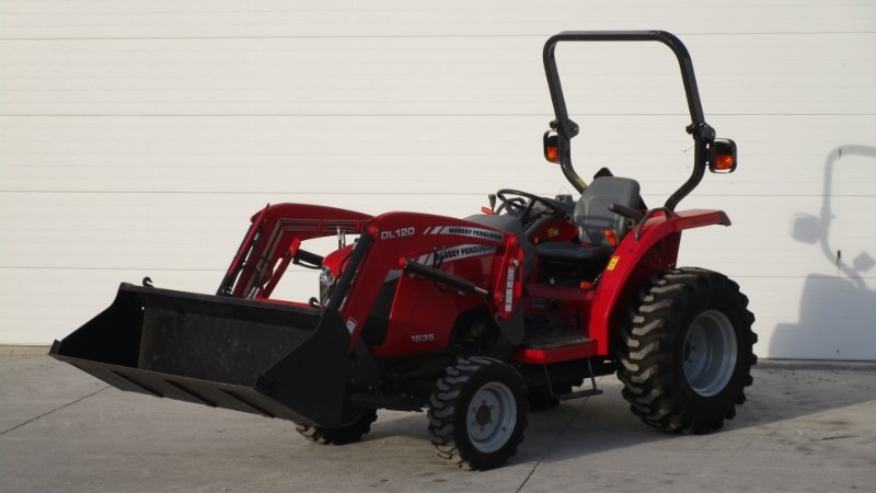 2013 Massey Ferguson 1635 Tractor - Compact For Sale