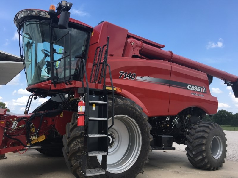 2016 Case IH 7140 Combine For Sale