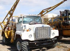Sprayer-Self Propelled For Sale 1982 Ford Semi Floater 3208 Cat