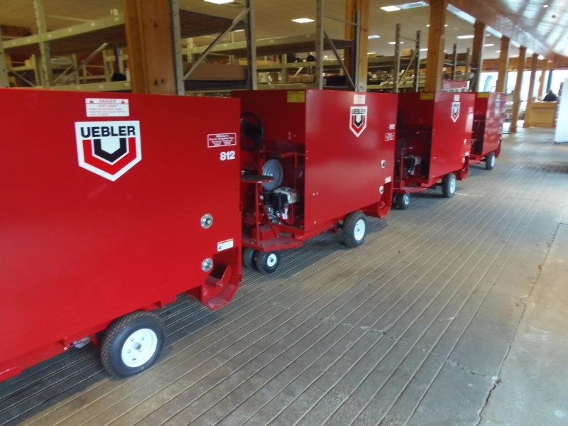 Misc UEBLER 812 Feed Cart For Sale