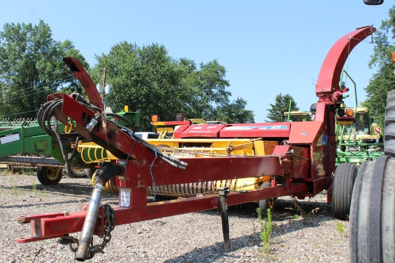 New Holland FP240 Forage Harvester-Pull Type For Sale