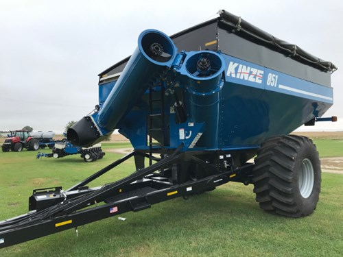 Grain Cart :  2017 Kinze 851