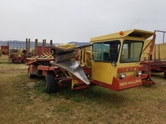 Bale Wagon-Self Propelled For Sale 1982 New Holland 1075