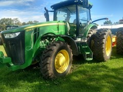 Tractor - Row Crop For Sale 2014 John Deere 8235R , 235 HP