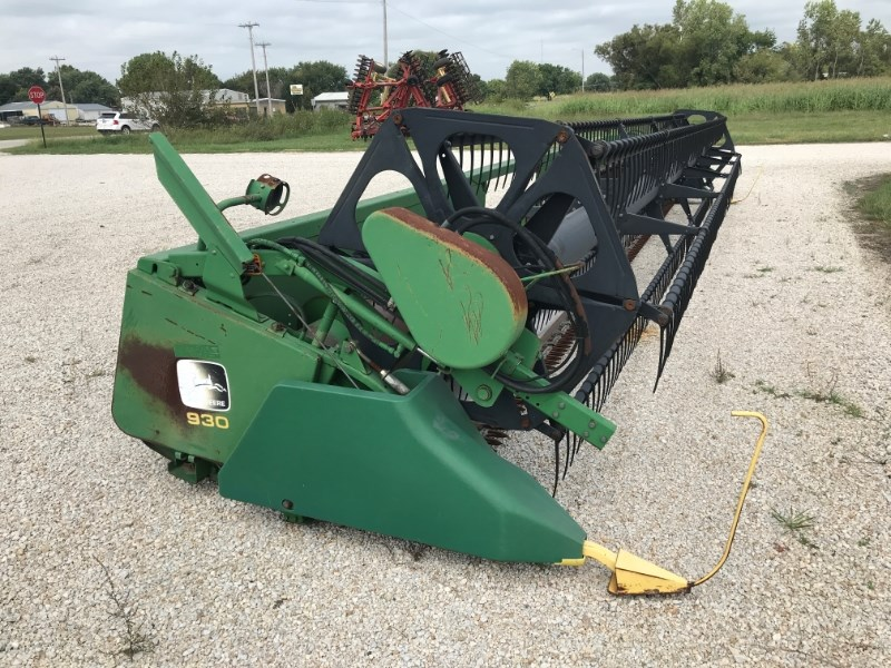 1997 John Deere 930F Header-Auger/Flex For Sale