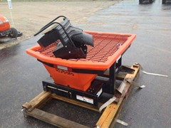 Spreader-Tailgate For Sale:  2016 Kubota V5005
