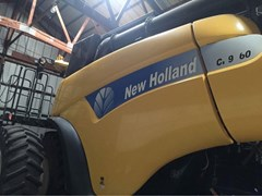 Combine For Sale 2009 New Holland CR9060