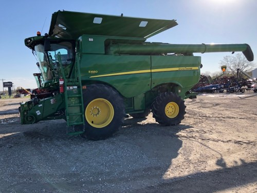 Combine For Sale:  2013 John Deere 680