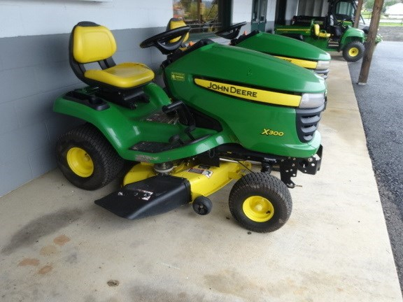 2010 John Deere X300 Riding Mower For Sale