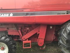 Combine For Sale 1996 Case IH 2166