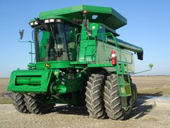 Combine For Sale 2005 John Deere 9760STS