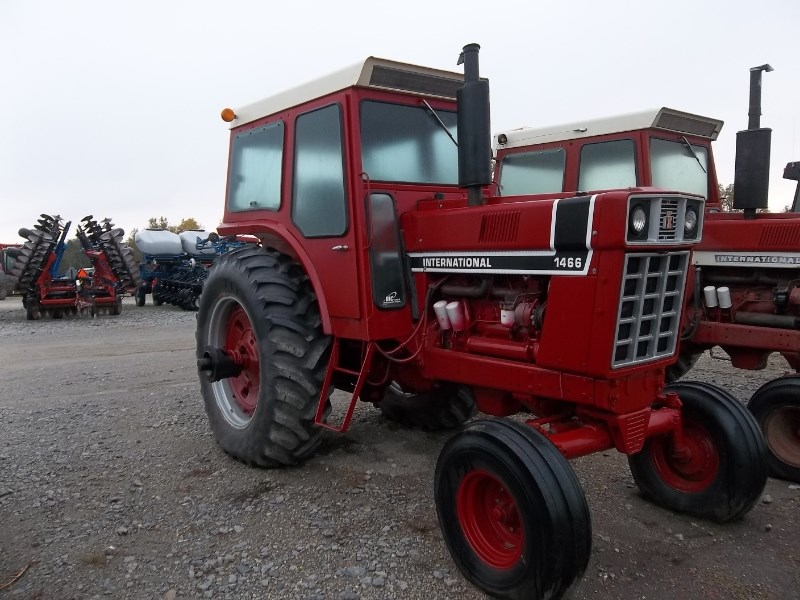 IH 1466 Tractor For Sale