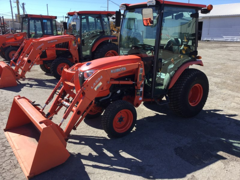 2013 Kubota B2650HSDC Tractor For Sale