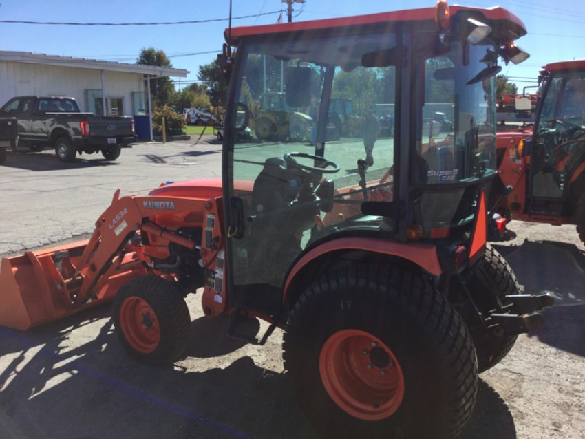 2013 Kubota B2650HSDC Tractor For Sale » Streacker Tractor