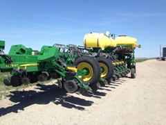 Planter For Sale 2015 John Deere 1775NT