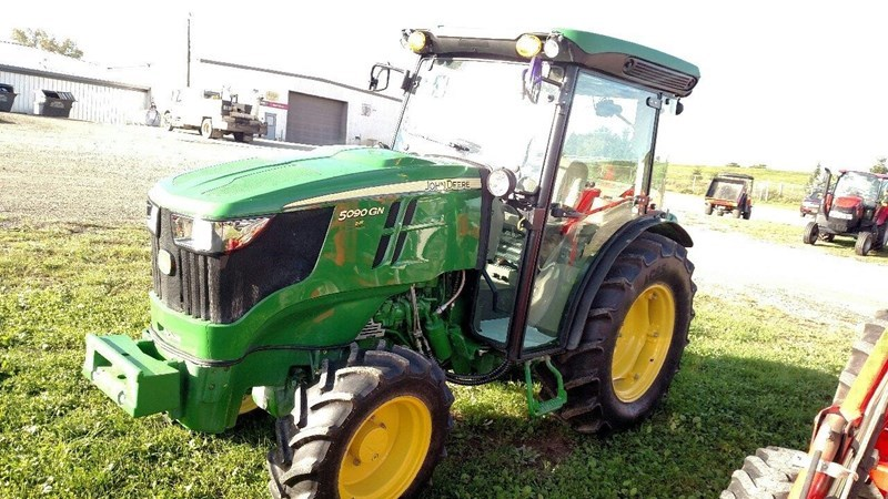 2017 John Deere 5090GN Tractor For Sale