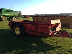 Manure Spreader-Dry/Pull Type For Sale 1999 New Holland 155