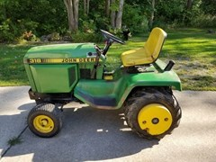Lawn Mower For Sale 1988 John Deere 318 , 18 HP