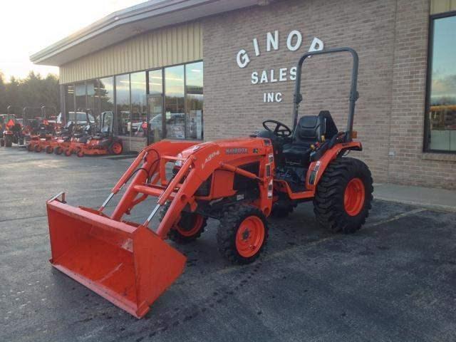 2012 Kubota B3200HSD Tractor For Sale