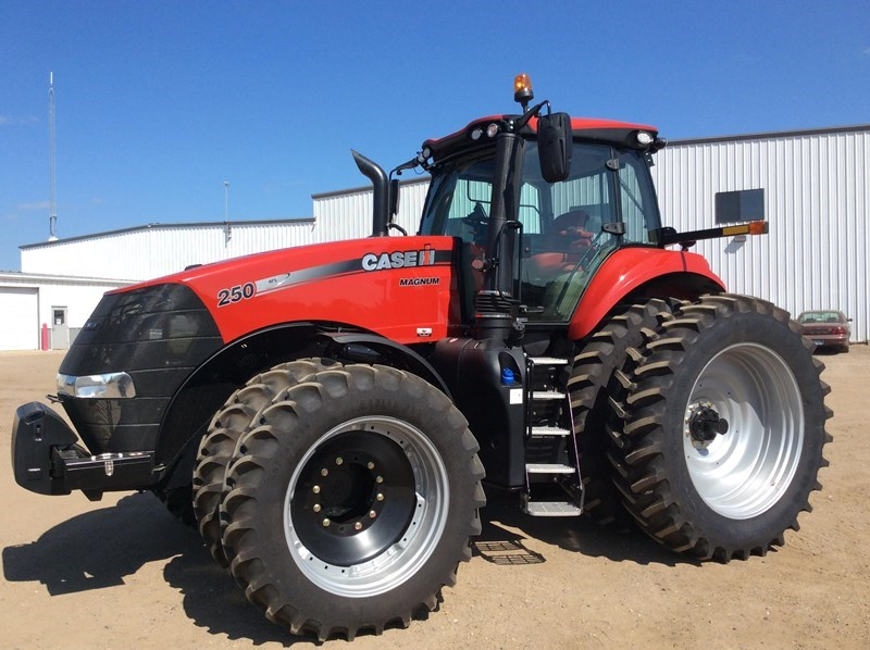 2017 Case IH MAGNUM 250 PS T4B Tractor For Sale
