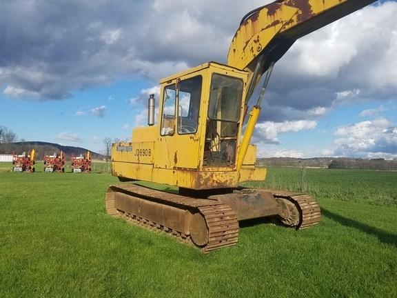 John Deere 690B Excavator-Track For Sale