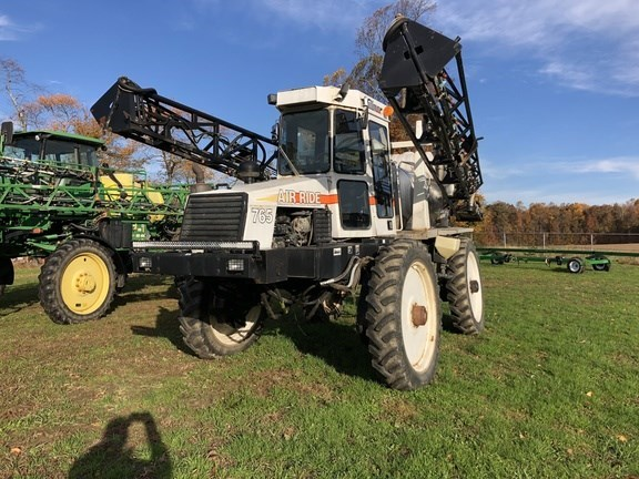 Willmar 765 Sprayer-Self Propelled For Sale