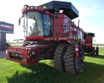 Combine For Sale: 2009 Case IH 7120, 360 HP
