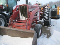 Tractor For Sale 1971 International 856