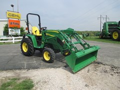 Tractor For Sale 2011 John Deere 3720 , 44 HP